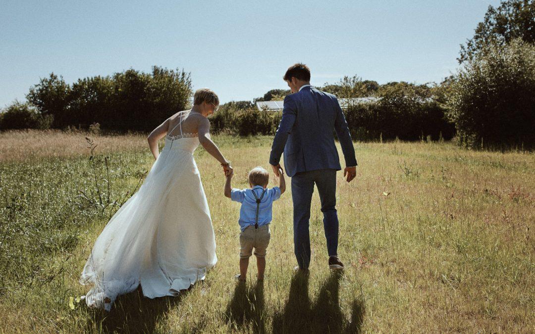 Maren & Benni – liebevoll rustikale Hochzeit auf dem Hofcafé von Laer in Herford