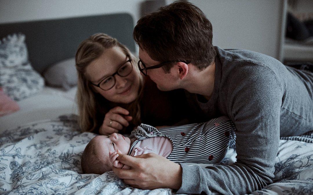 Jaqueline, Alexander & Helena – Familienshooting Zuhause in Detmold