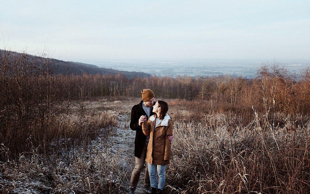 Christin & Gunnar – winterliches Verlobungsshooting im Steinbruch Minden